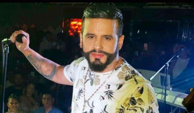 Nelson Velásquez, cantante vallenato, durante su presentación en Medellín