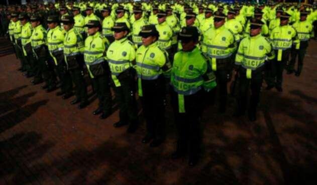 Policías refuerzan seguridad en Transmilenio