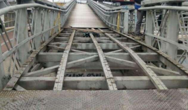 Puente Carrera 30 con Calle 6