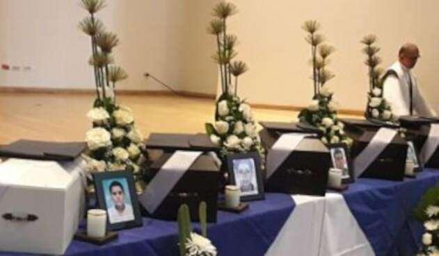 Entrega de restos de víctimas del conflicto.