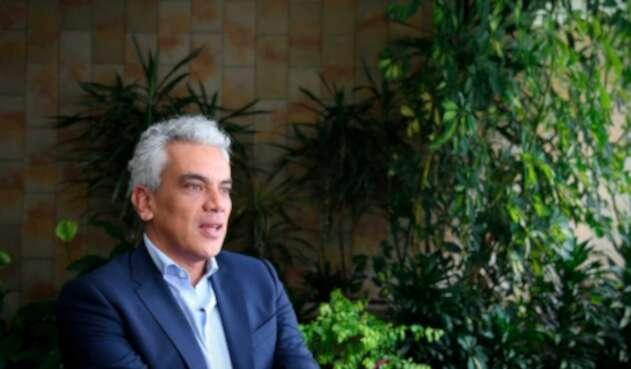 Ricardo Lozano insiste que Minambiente promueve la prevención