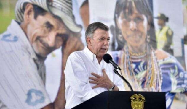 El presidente Santos confía en que Iván Duque continúe los diálogos con el ELN