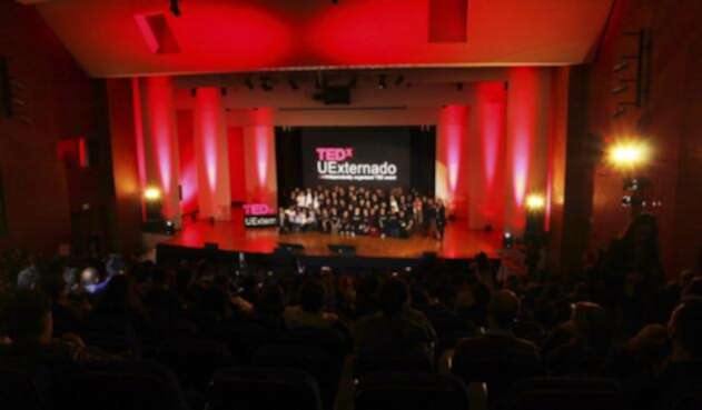Primer TEDxUExternadoSalón