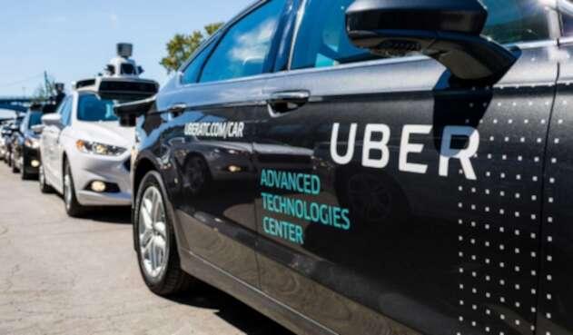 Uber y Toyota trabajan en carros autotripulados