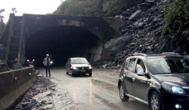 Autoridades piden a los conductores transitar con precaución.