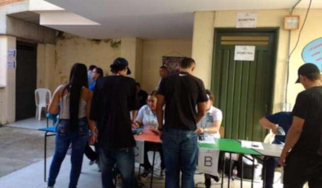 Habitantes de Yalí ejerciendo su derecho al voto