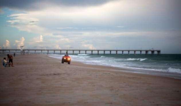 Más de un millón de residentes de la costa este de Estados Unidos han recibido órdenes de abandonar sus hogares como medida preventiva.