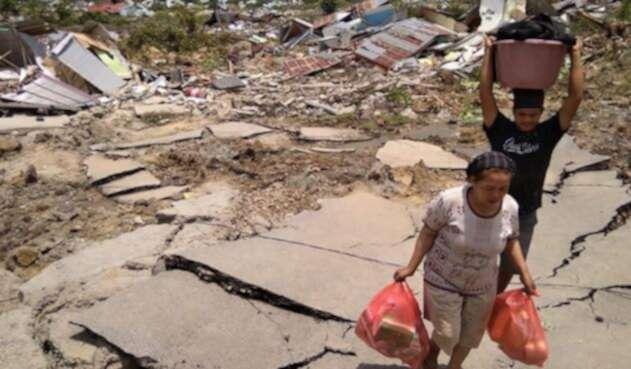 Sismo y tsunami en Indonesia.