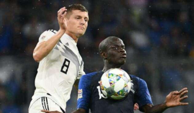 Toni Kroos (Alemania) y N'Golo Kante (Francia)