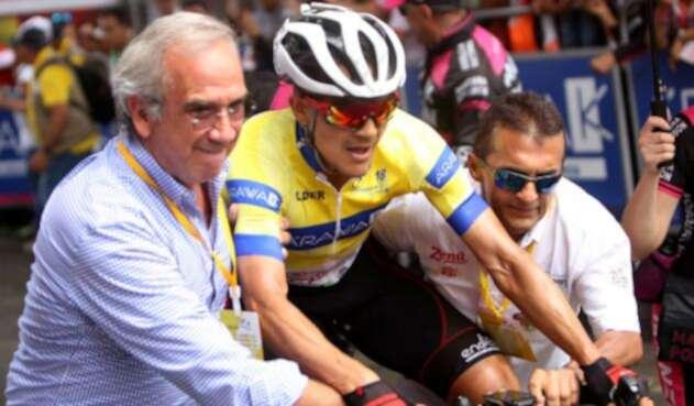 Alex Cano sigue líder del Clásico RCN tras la etapa 8 de la competencia.