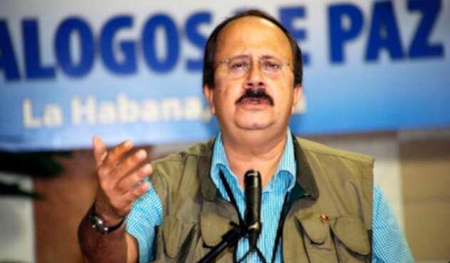 Andrés París en los diálogos de paz, en La Habana (Cuba), el 18 de octubre de 2012