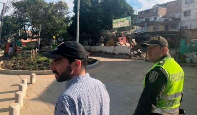 Andrés Villamizar, secretario de seguridad de la ciudad, en el barrio Siloé