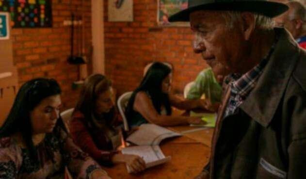 Un habitante de Bojacá en una contienda electoral anterior a la de 2018