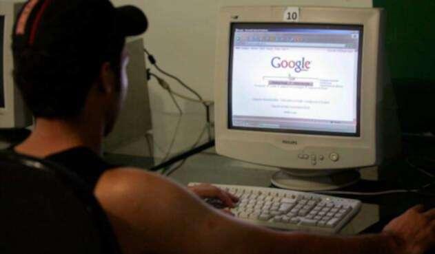Usuario realiza búsqueda en Google