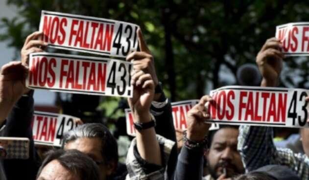 Protestas por los alumnos de Ayotzinapa desaparecidos en 2014.
