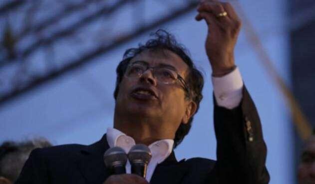 Senador Gustavo Petro.