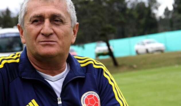 Eduardo Lara, técnico colombiano