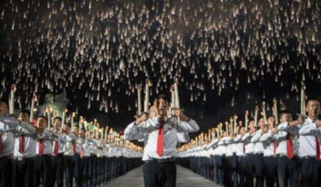 Un desfile militar sin mostrar misiles balísticos en Corea del Norte