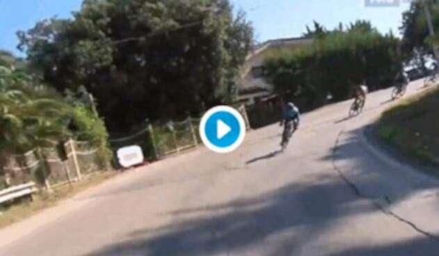 Dayer Quintana al momento de caer, en el Trofeo Matteotti disputado en Pescara (Italia)