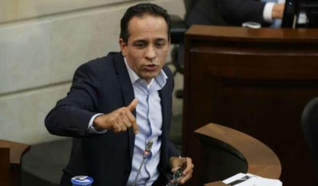El senador Alexander López fue otro de los citantes del caso Carrasquilla