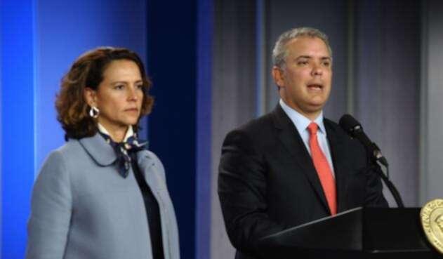 Presidente Iván Duque (der.) y ministra del Interior, Nancy Patricia Gutiérrez