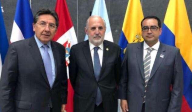 Reunión fiscales de la región