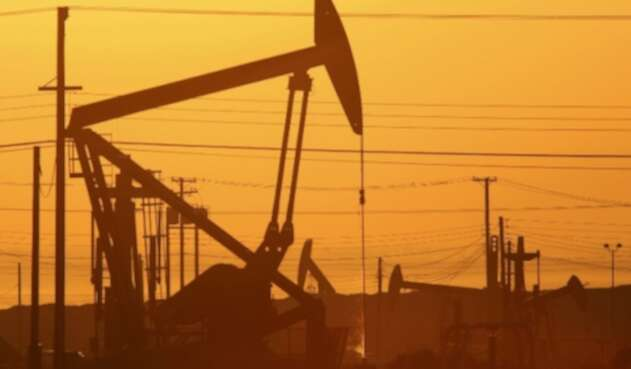Pozo de petróleo - imagen referencial
