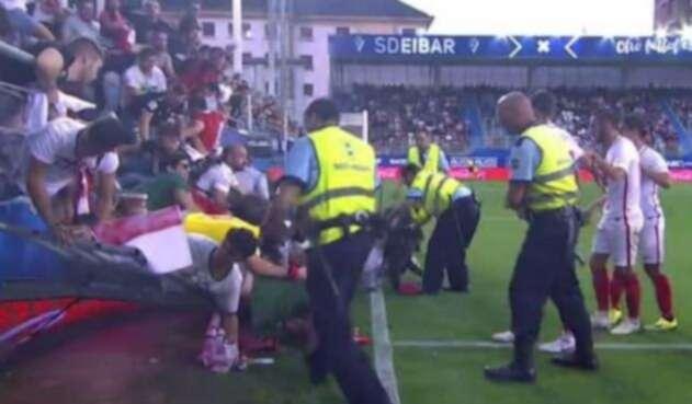 Gradería se desplomó en celebración de un gol del Sevilla