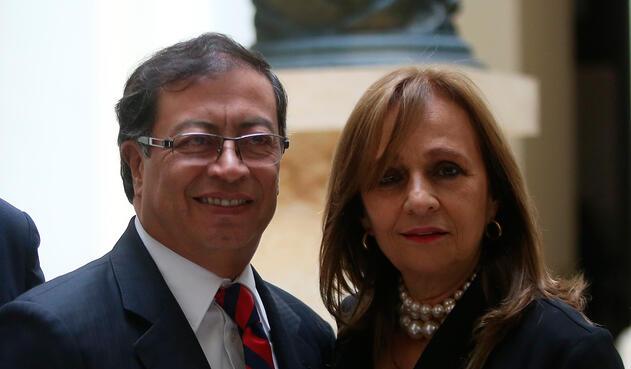 Gustavo Petro y Ángela Robledo, congresistas