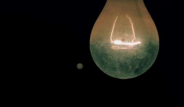 Bombilla con poca luz