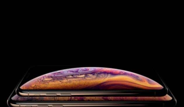 El iPhone XS tiene una pantalla de 5,8 pulgadas (14,7 centímetros) con tecnología OLED