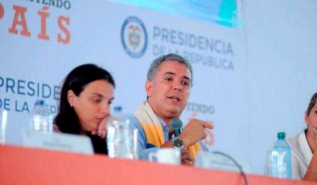 Iván Duque celebra apoyo de Francia en iniciativa contra Venezuela