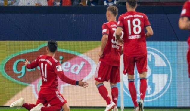 James Rodríguez celebra gol ante el Schalke