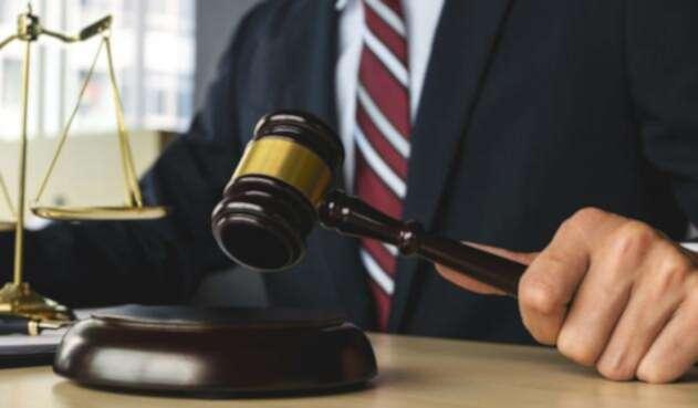 Contralor pide que aumente el número de jueces y fiscales