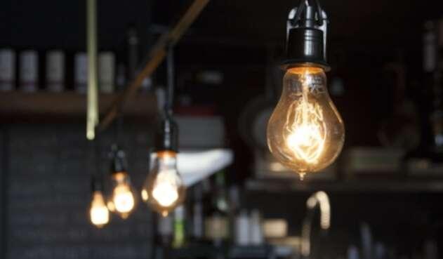 Poca Luz, bombillas