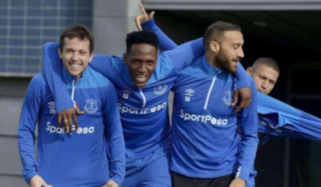 Yerry Mina a la espera de su debut con Everton