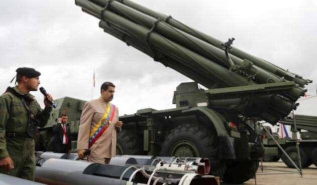 Nicolás Maduro, presidente de Venezuela, el 24 de junio de 2017 en Caracas junto a las Fuerzas Militares