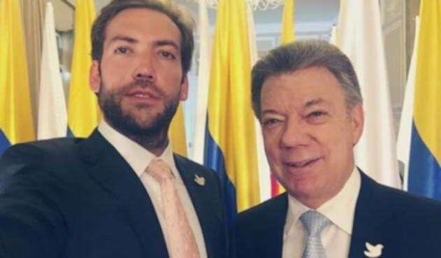 Contrario a su padre, Martín Santos no se ha quedado callado frente al actual gobierno