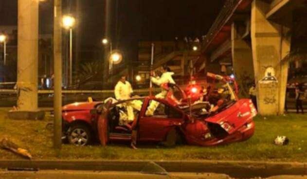 El vehículo Volkswagen Jetta en el que se movilizaban los cuatro jóvenes en Bogotá