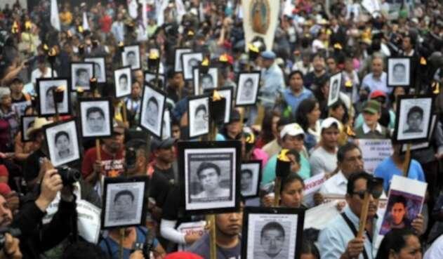 Padres de 43 los desaparecidos de Ayotzinapa