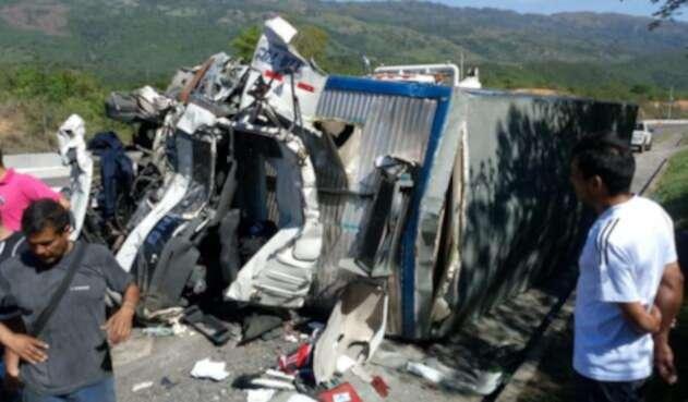 Accidente vía Guaduas - Puerto Salgar