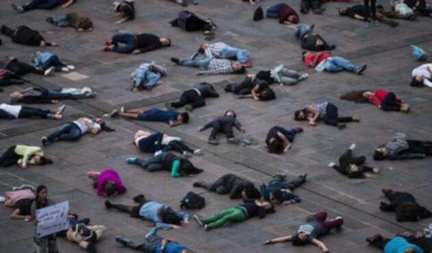 La prensa internacional reportó entre 300 y 500 muertos en la masacre, mientras que el gobierno sólo reconoció 20.