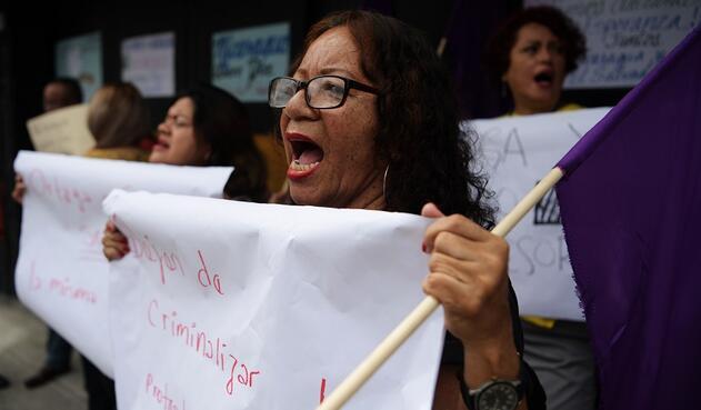 Mujeres protestan en contra del Gobierno Nicaragüense