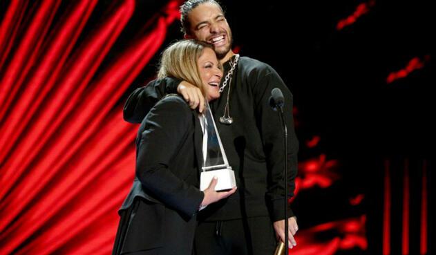 Maluma y Ana María Polo en los Latin American Music Awards