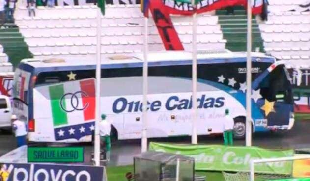Arribo del Once Caldas al estadio Palogrande de Manizales para la final ante Atlético Nacional por Copa Águila
