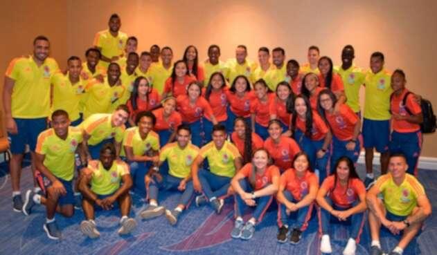 Selección Colombia de mayores compartió con el combinado femenino sub-17