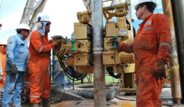 Producción de petróleo creció cerca del 4% en noviembre