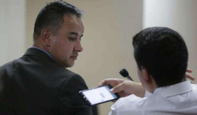 Diego Rayo, investigado por red de chuzadas