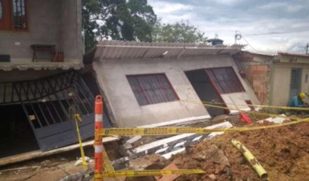 Viviendas afectadas en el barrio Aeropuerto de Cúcuta por deslizamiento de tierra