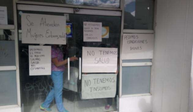 Médicos protestan en Esimed